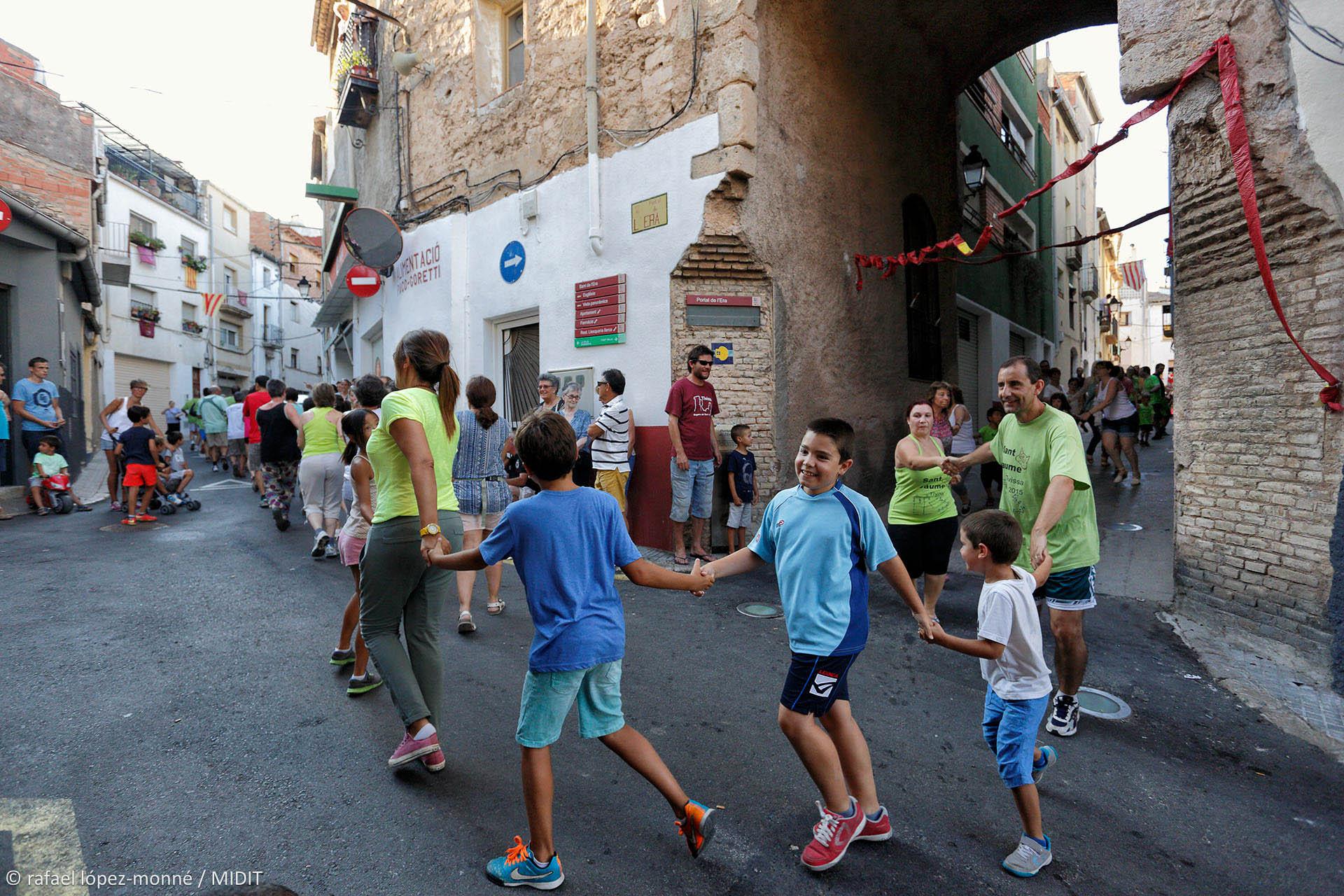 La Dansa de Tivissa. Festes de Sant Jaume a Tivissa. Tivissa, Ribera d'Ebre, Tarragona.